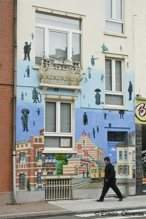 "grafika i dizayn  Фотопост: ""Продолжение реальности""   рисунки на домах"