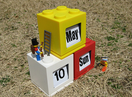 LEGO Desktop Calendar