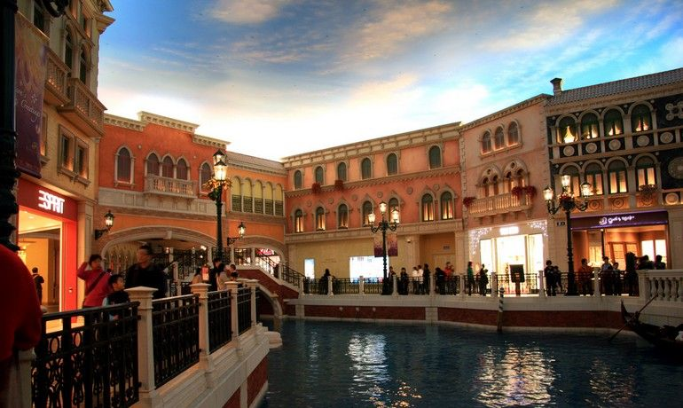 [Venetian-Casino-02.jpg]