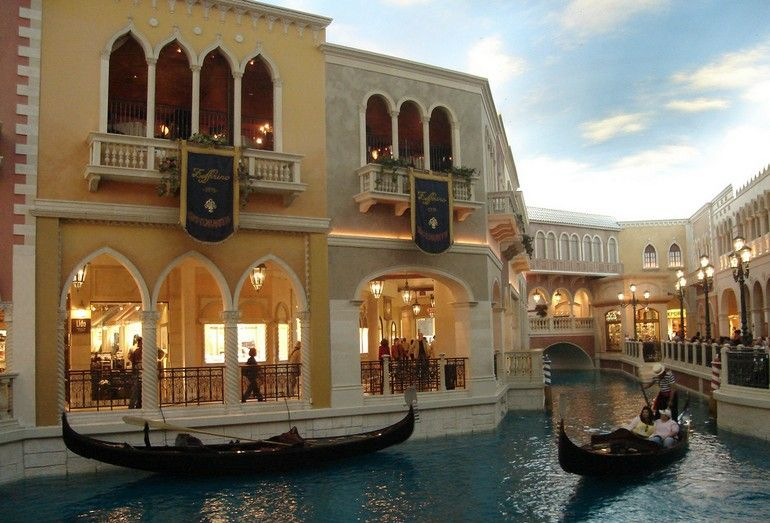 [Venetian-Casino-09.jpg]
