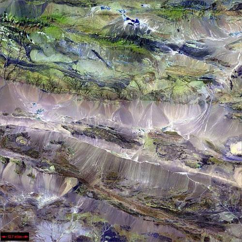Edrengiyn Нуру - Китай спутниковое фото