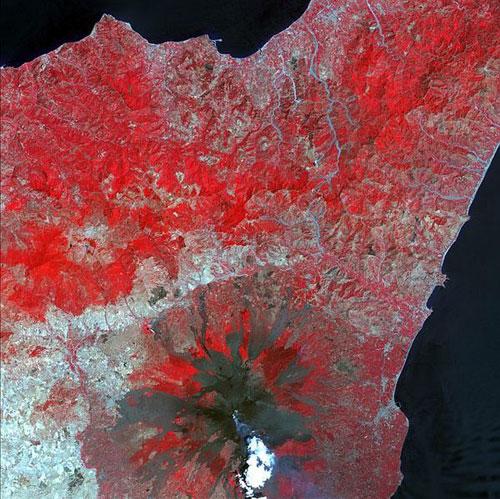 Этна - Италия спутниковое фото