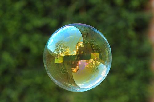 foto  Как лопаются мыльные пузыри
