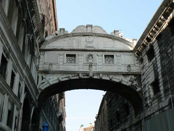 interesnyie faktyi  Мост Вздохов в Венеции