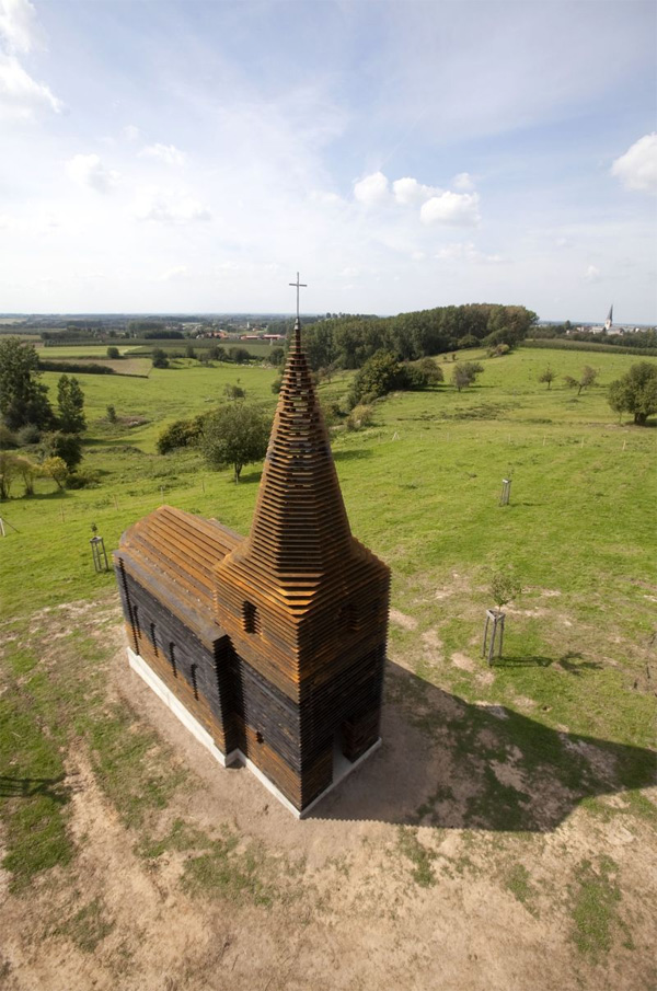 iskusstvo  Исчезающая церковь